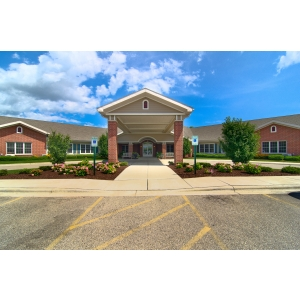 Parkside manor senior living community in kenosha wi at for Parkside manor